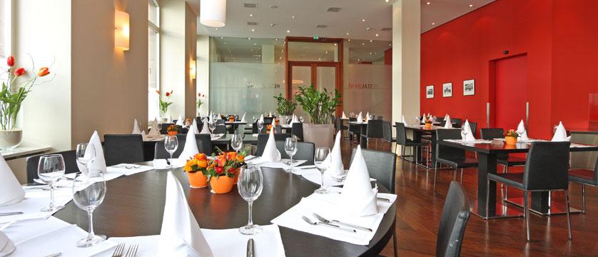 Hotel Waldstaetterhof, Lucerne, Switzerland - restaurant interior.jpg
